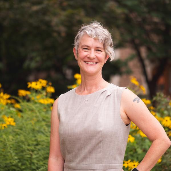 Dr. Elizabeth Haswell: Researching How Plant Cells Sense and Respond to Internal Forces-#524 of People Behind the Science Podcast