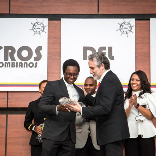 EEPB graduate student wins Afro-Colombian of the year award in the Youth category
