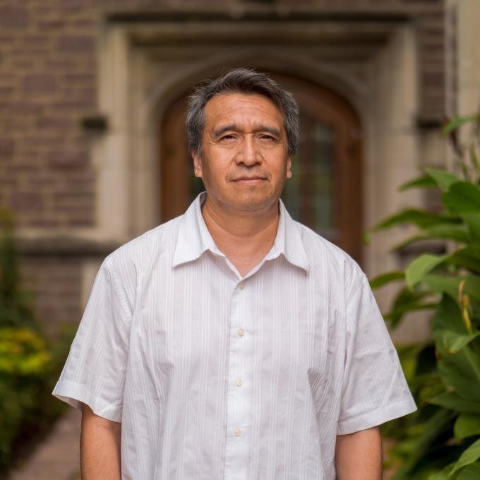 Headshot of Daniel Granados-Fuentes