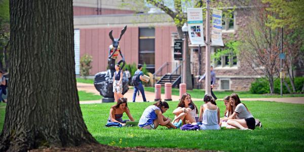 Students outside Graham Chapel